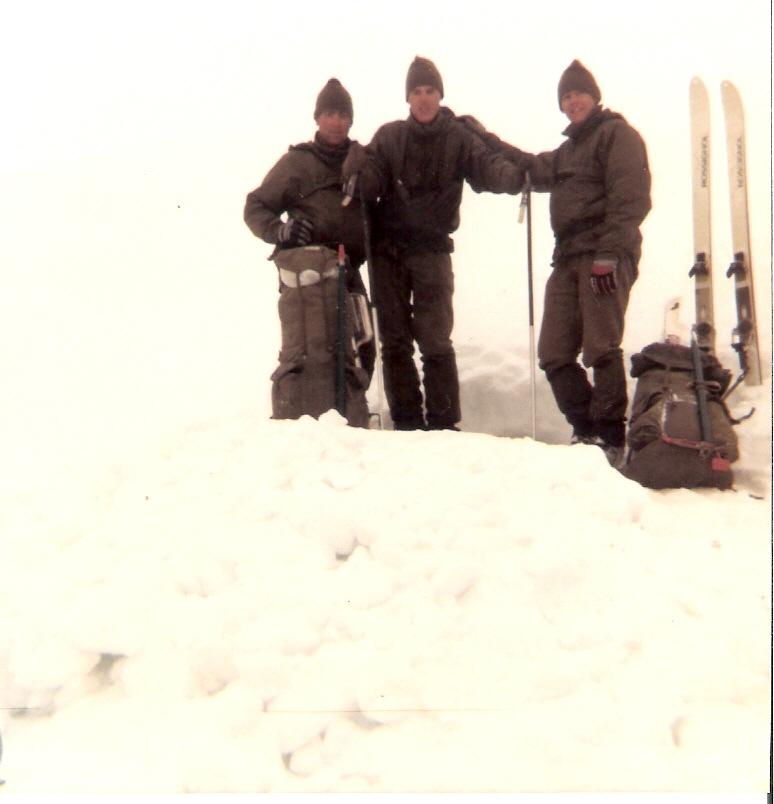 """Después de hacer noche en la """"Cueva de nieve"""""""