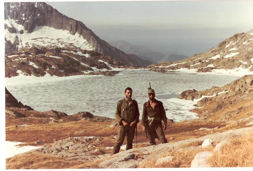 Con Ferreras, un primero reenganchado, hacia calor, mucho calor, porque era en Julio de 1983