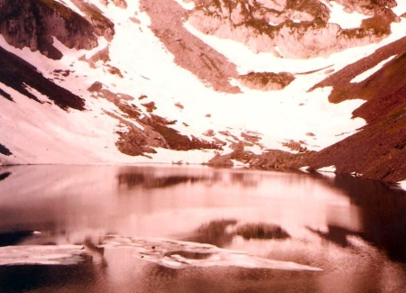 Un poco mas arriba y los lagos tenian nieve