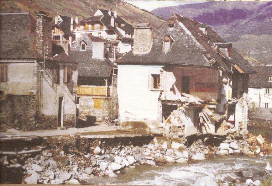 En Viella se derrumbaron dos casas.