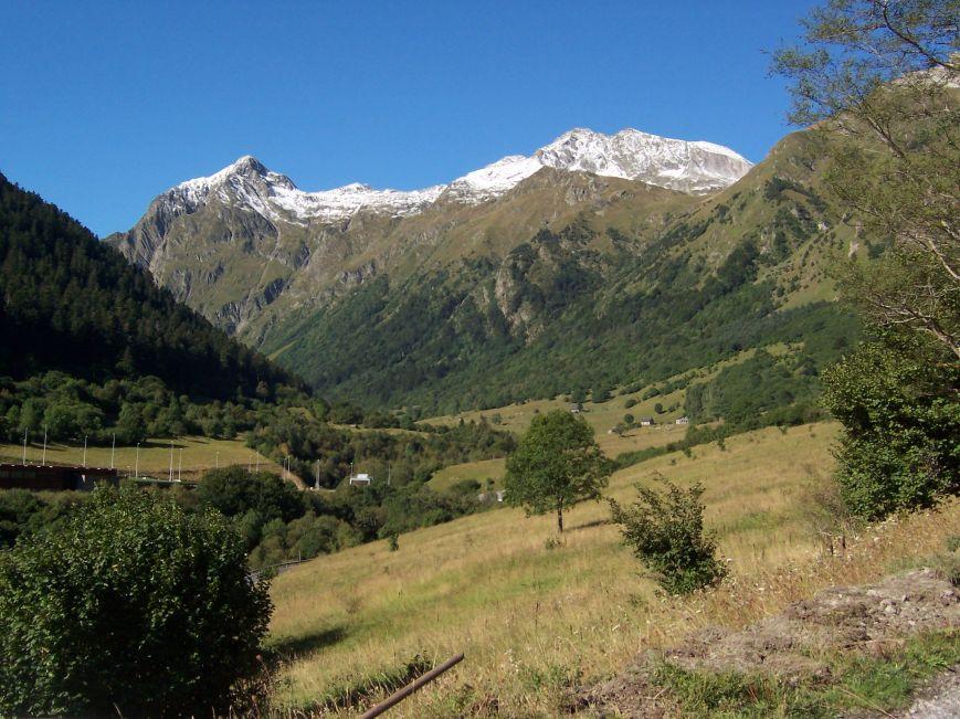 El valle de Horno (El Tiro), con la Forcanada.