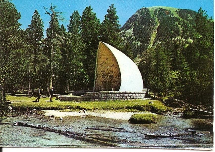 """Parque Nacional """"Aigües Tortes"""". Capilla del """"Sant Espirit"""""""