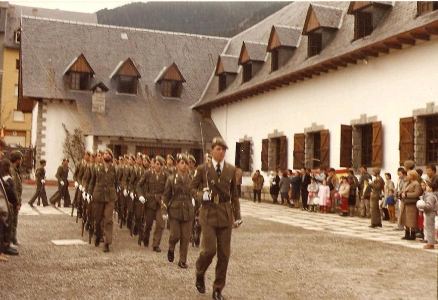 Aqui viene la 1ª Sección del Teniente del Corral
