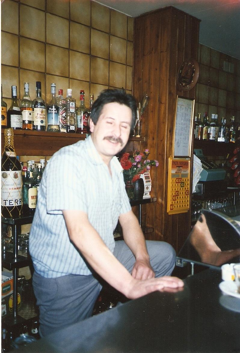 Isma del Bar López (donde hacian los mejores bocatas de tortilla del Valle). Más de uno se acordara que era imbatible jugando a los chinos.
