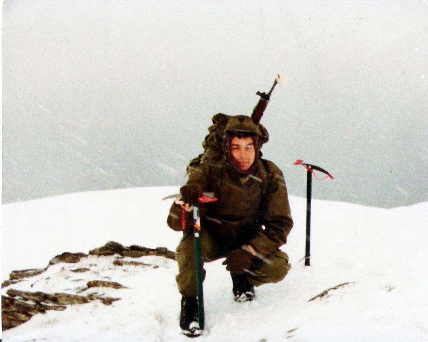 Cima Moncorvisur, la cima que mas miraba durante mis guardias.