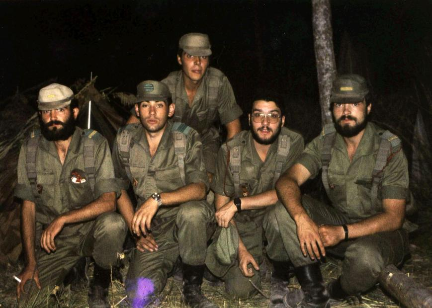 Julio Pérez, Herranz, ¿? y Luis Peláez. Yo arriba