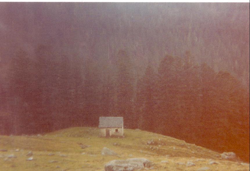 La caseta del campo de tiro, pintada por Pino en la biblioteca y por ahi.
