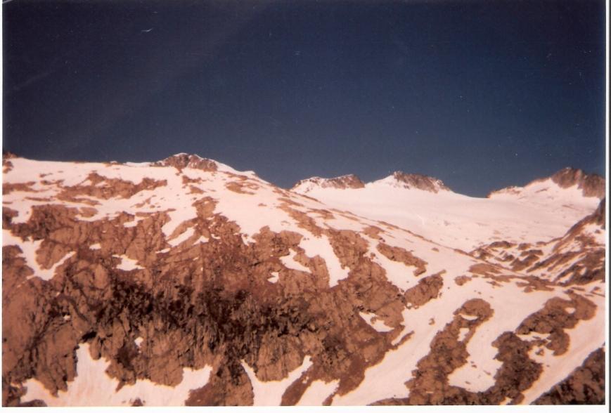 Vista del Aneto desde el Coll dels Aranessos, 2455 m.