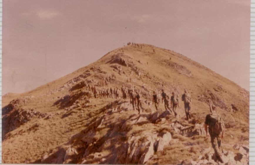 La primera seccion ya ha llegado al pico y las otras dos estamos subiendo