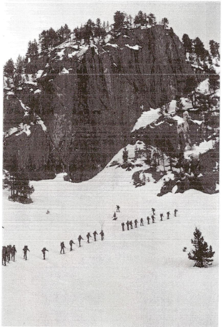 Práctica de vida y movimiento en vida invernal. Marcha zona presa de Colomer.