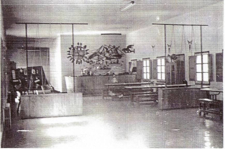 Vista parcial del hogar del soldado y comedor de la Compañia en el año 1964.