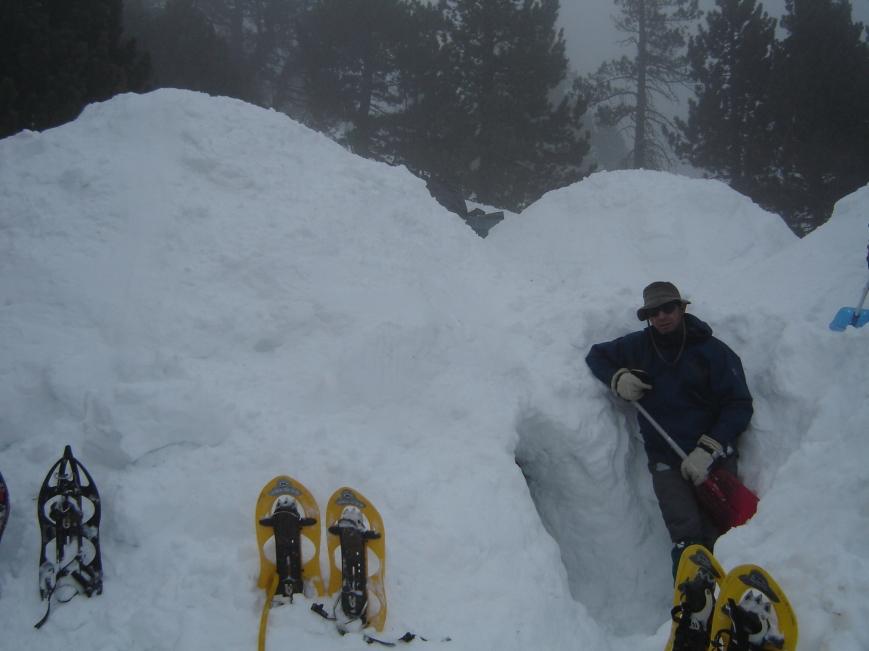 Febrero 2006,campamento de igloos(hay que enseñar a futuros mntañeros)