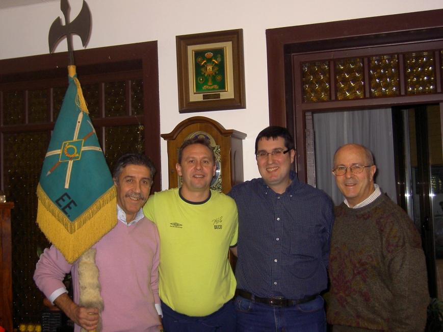 Inevitable y entrañable foto de familia.... Roberto, Oscar, Ignacio y Josemaria....