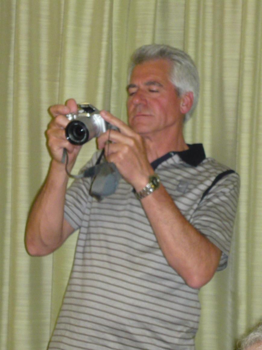 """Carlos Cortés en plan """"paparazzi"""", haciendo el reportaje fotográfico que estamos disfrutando"""