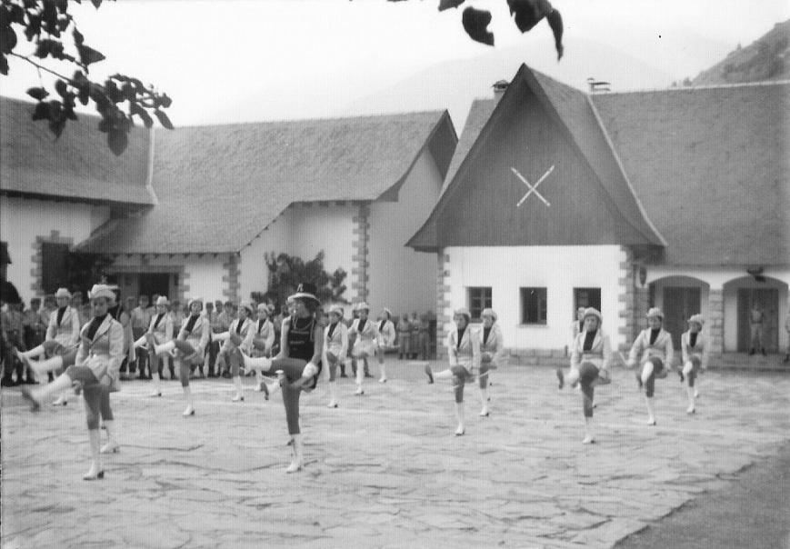 8/9/1975... Majorets... ¡¡en el Cuartel!!