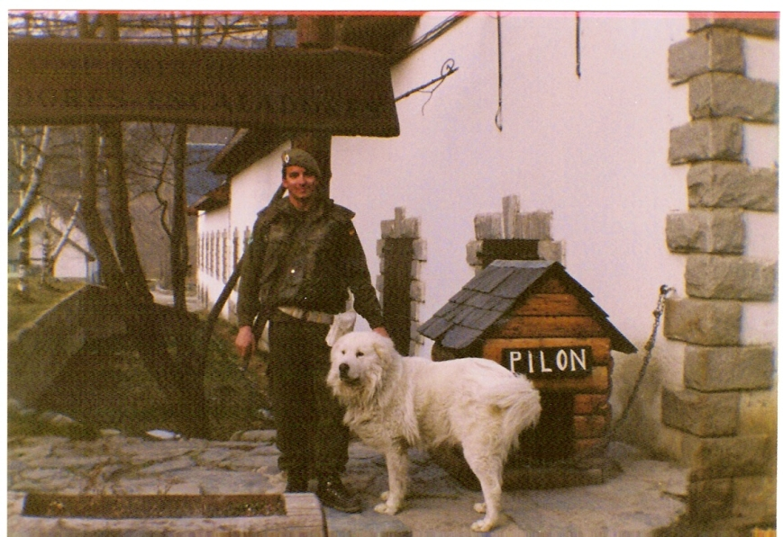De guardia con nuestro inseparable Pilón...