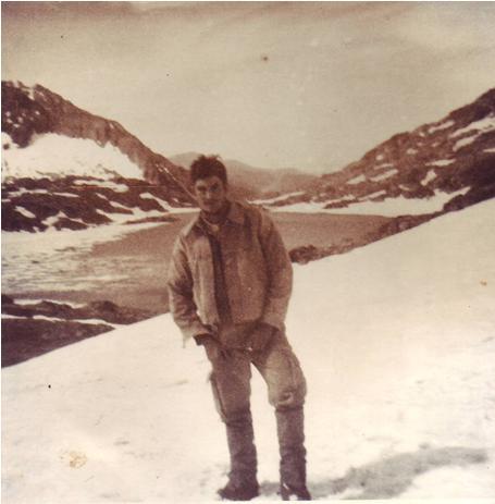 Con el Estany de mar de fondo. A pesar de la nieve estábamos en verano del 78.