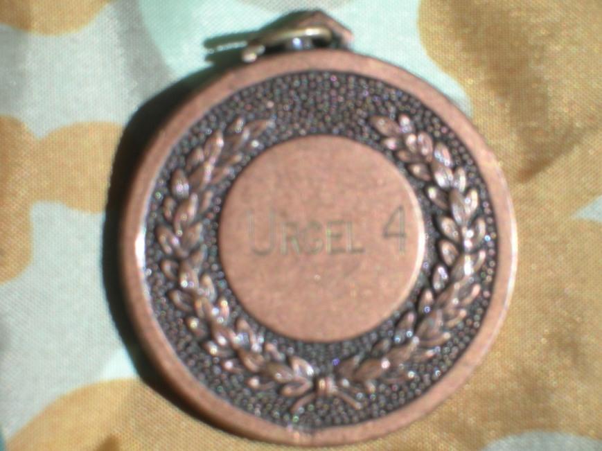 Medalla conmemorativa curso escalada 1984... Cuando subiamos a escalar en los camiones nadie hablaba