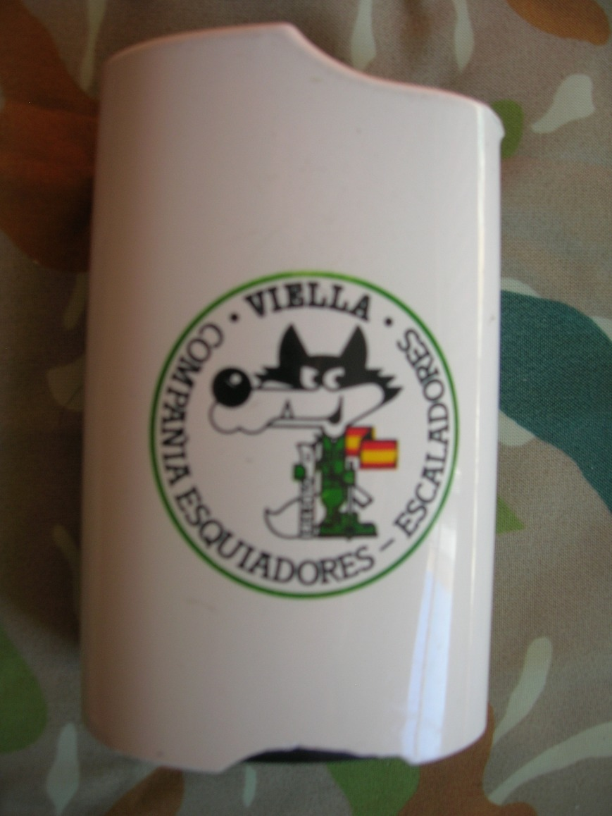 Funda de mechero dedicada a Pino.