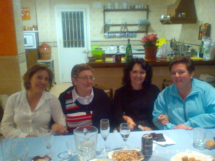 Y nuestras sufridas compañeras: Mari, Mª José, África y Pepi.