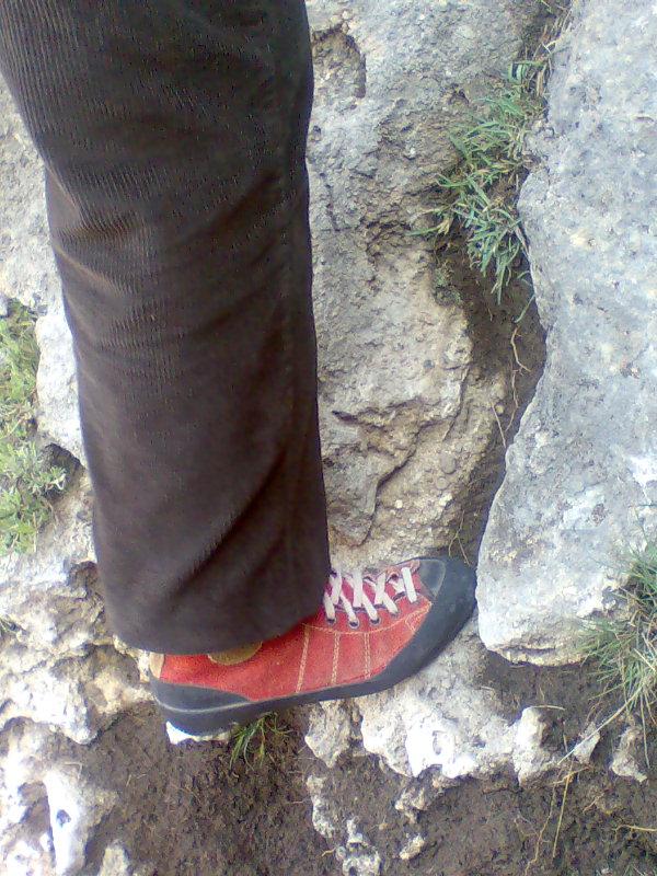 Rafa se calzó mis viejos pies de gato con más de treinta años de antigüedad...