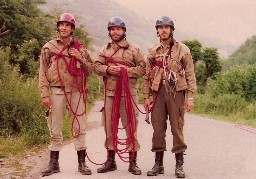 Verano de 1979, curso de escalada en Vilac. De izquierda a derecha, Jordi Enseñat, Joan Gisbert y Manolo Duart Boluda (valenciano de Almussafes)