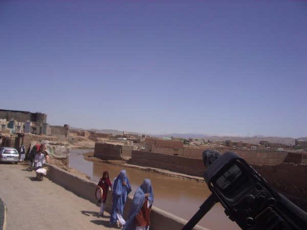 Aquí podeis ver el tan famoso Burka.... Obligatorio para que las mujeres puedan salir a la calle.